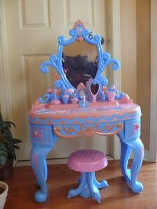 Cinderella Disney Princess Magical Talking Vanity