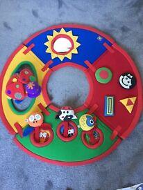 Baby's activity floor Matt