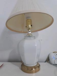 Petite lampe de table de nuit ( chevet )
