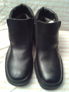BRAND NEW MEN'S DENVER HAYES BLACK LEATHER BOOTS SIZE 8 WITH FUR