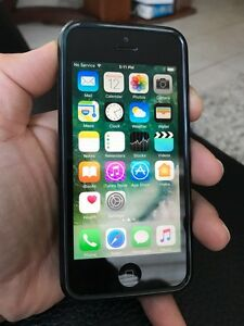iPhone 5 32GB black UNLOCKED