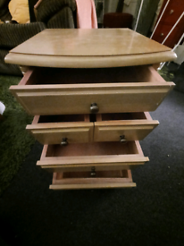 Craft draws on wheels / small cabinet with magazine slots