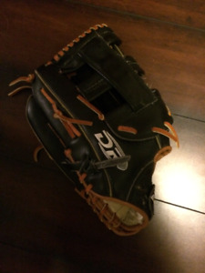 Mens DR Baseball Glove