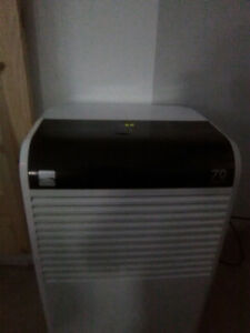Kenmore Dehumidifier 70 pint Excellent Condition