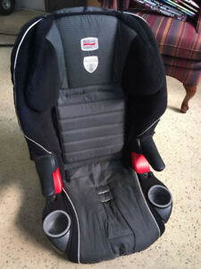 Britax frontier xt carseat ! Good condition!