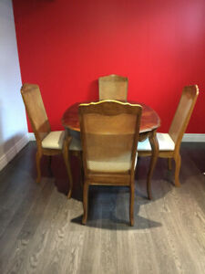 Extendable Table and Chairs Dining Table Set Solid Wood