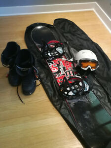 Snowboard 157 cm with gear