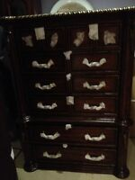 New Lexington chest of drawers