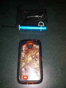 Realtree otterbox & portable charger
