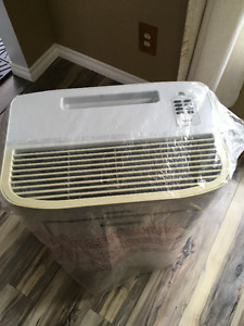 BEAT THE HEAT / DANBY PORTABLE AIR CONDITIONER