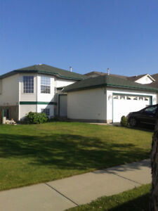 4 Br House with Mother-in -law suite in Sherwood Park