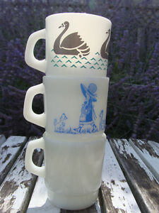 LOT OF MILKGLASS MUGS! HOLLY HOBBY  FEDERAL, TERMACRISSA! London Ontario image 8