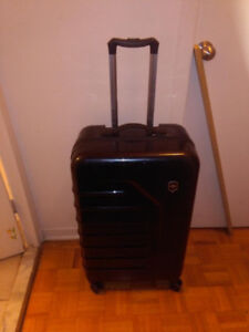 VICTORINOX LUGGAGE SPECTRA 32 INCH UPRIGHT SUITCASE, BLACK, 32