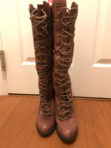 Aldo - Heel Boots - Lace Up - Size 7