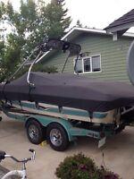 03 Larson 20.5 ft boat
