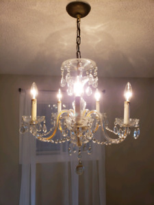 Crystal chandelier 5 light candle stye