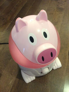 Crane ultrasonic cool mist humidifier (Pig)