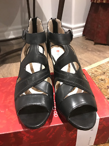 Black Blondo Sandal 8.5 For Sale