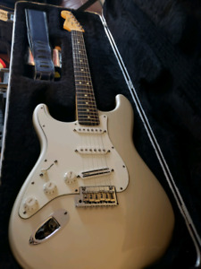 Fender stratocaster usa made lefty