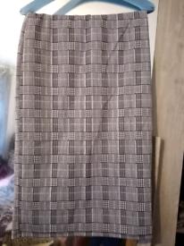 3/4 length Checked Pencil Skirt