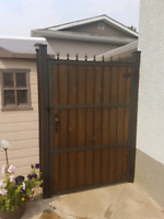Custom fence gates in Kelowna