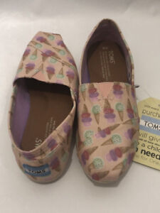 TOMS Pink Ice Cream Social SIZE 6 Shoes Slip On Flats