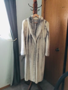 Elegant mink coat  - wonderful Christmas present!
