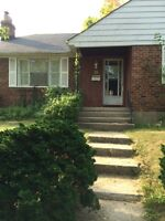 Spacious renovated bunglow for rent in port credit /mineola west