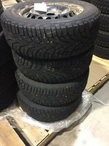 Tires and rims of 2014 Volkswagon Jetta