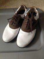Men's size 9.5 golf shoes