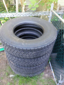 used tires: 4 drives 11R22.5, 1 steer 295/80R22.5