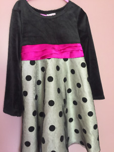 11 items of Size 5T girls clothing for $10