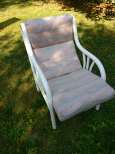 4 patio chairs and one lounge chair for $10