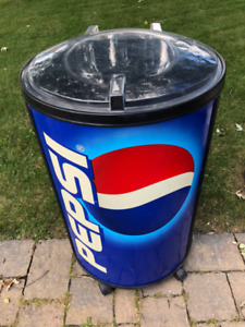 Large Pepsi Deck or Man Cave Beer or Pop Ice Cooler With Lid