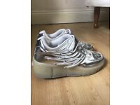 Size 2 Light up silver winged Healy's