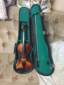 Half Size Violin, case and bow included