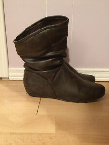 women's size 9 boots Peterborough Peterborough Area image 1