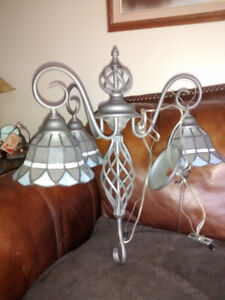 GORGEOUS STAINED GLASS/ TIFFANY STYLE 3 LAMP HANGING LAMP