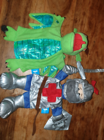 Knight and Dragon puppet set