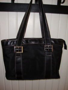 WOMANS LAPTOP BAG