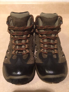 Youth Merrell Waterproof Hiking Shoes Size 13 London Ontario image 2