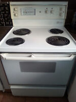 """Poêle auto-nettoyante 30"""" General Electric 30""""self-cleaning oven"""