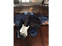 Fender Squier mini Stratocaster + starter kit