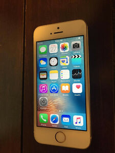 Iphone 5s Gold, 16g with Rogers! Mint condition