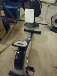 Magnetic Recumbent Cycle  ( Cycle Exerciseur Magnétique )