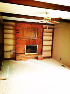South side room for rent close to U of R