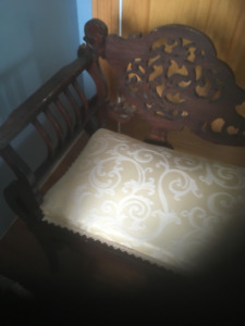 Filigree White Settee