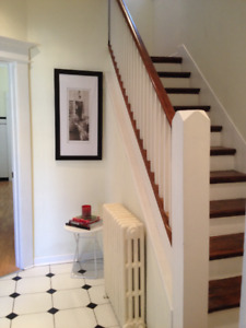 Beautiful furnished room on Ossington Ave 4 STUDENT in August
