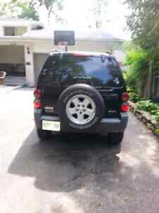 Jeep liberty 2005 great condition e test and safetied Windsor Region Ontario image 1