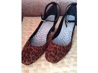 Clarks ladies shoes size 4 - leopard print